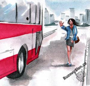 žena dobíhá autobus