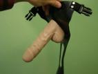 Připínací gelový penis 18 cm