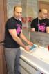Adam umývá Anální rotační kolík Rimming b-Vibe
