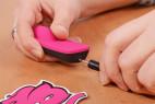 OhMiBod 3.OH Panty Vibe – hudební vibrátor – nabíjení – konektor a zástrčka napájení