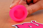 Menstruační kalíšky Fun Cup, Explore kit, detailní záběr otvoru