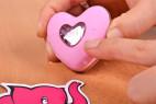 Bezdrátové vibrační vajíčko Pink Love, v ruce