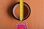 Bondážna páska Noir - meriame priemer pásky