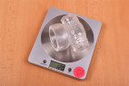 Cock Stroker - vážime násadu, stolný váha ukazuje 120 g