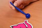 Silikonový dilatátor Blue Stick – focení v ruce