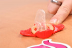 Wingman kondómy - kondóm bez obalu so sponou