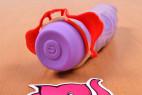 Wingman kondómy - kondóm je nasadený na vibrátora