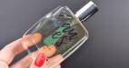 Pánsky Eau Yes Amorelie parfum s feromónmi, v ruke
