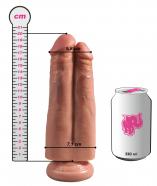 Připínací penis King Cock Double (20cm), rozměry v porovnání s plechovkou