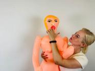 Nafukovacia panna B-Spears Doll, Verča